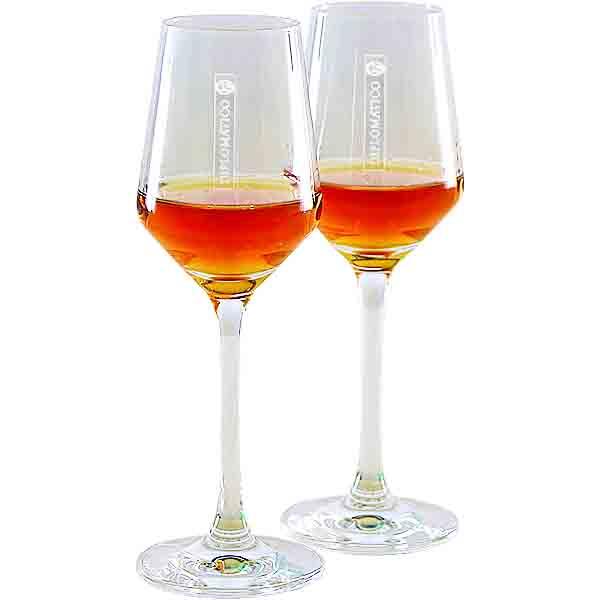 Sklenička na rum Diplomatico